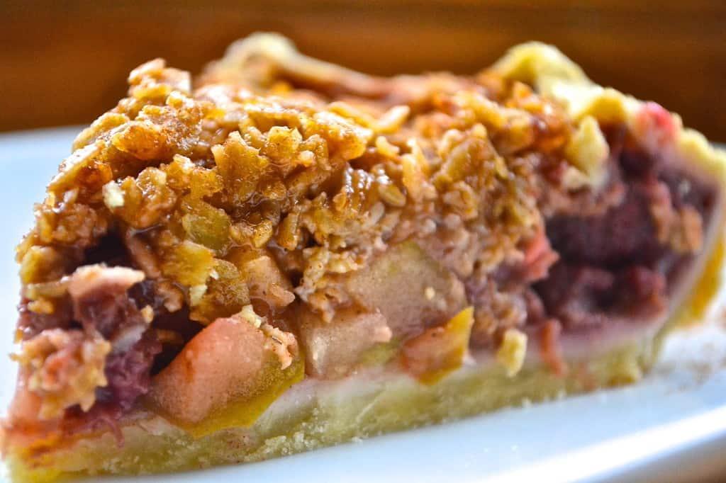 strawberry apple oat pie recipe